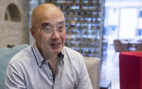 Michael Koh, jefe de delegación del World Cities, estuvo cuatro días conociendo la transformación local. FOTO Esteban Vanegas