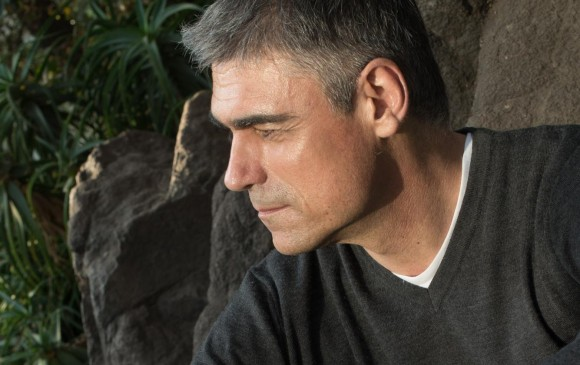 Desastres naturales, libro escrito por el chileno Pablo Simonetti aborda, entre otros temas, las masculinidades mal entendidas. FOTO CORTESÍA