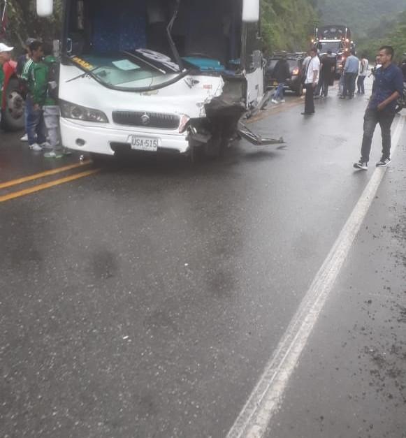 Bus en el que viajaban hinchas de Nacional se accidentó