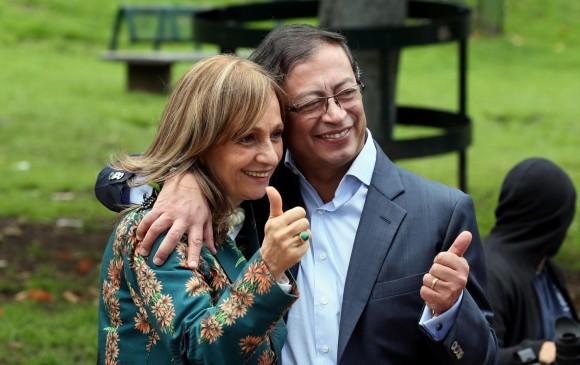 Petro ha trabajado de la mano de su fórmula vicepresidencial, Ángela M. Robledo, en la tarea de atraer defensores del Acuerdo. FOTO EFE