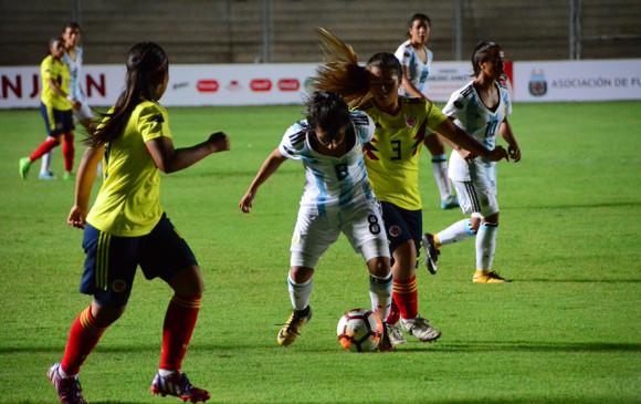 Vinotinto femenina Sub17 dominante y primera del grupo B del Sudamericano