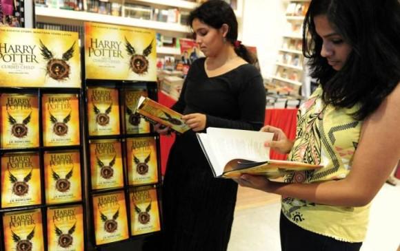 Sacerdotes católicos queman libros de Harry Potter