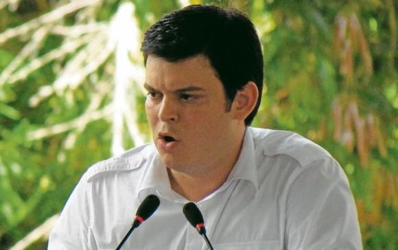Piden tumbar el acuerdo de colaboración de Alejandro Lyons