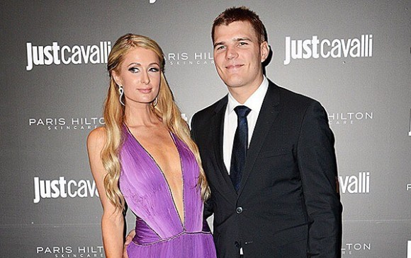 No llegará al altar: Paris Hilton termina su compromiso con Chris Zylka