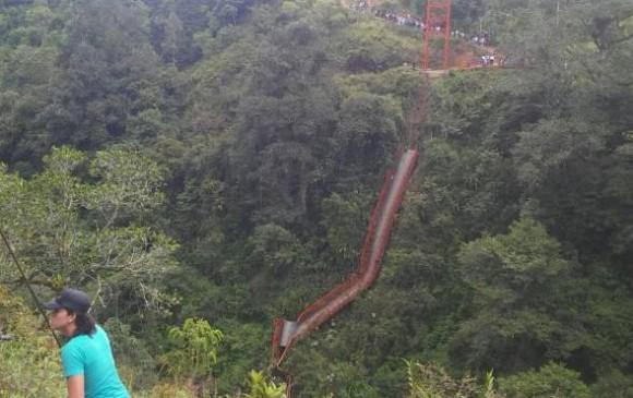 Colapso de puente en Inzá Cauca, deja dos personas desaparecidas