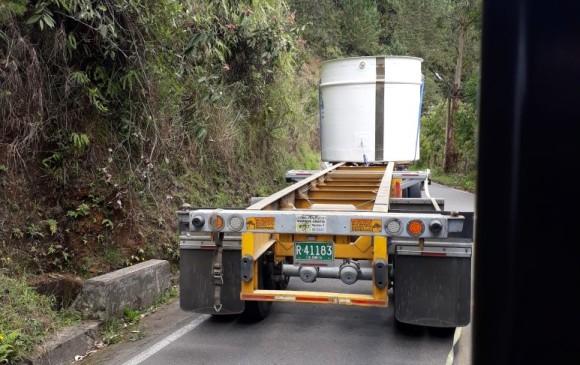 Un tanque cayó sobre un ciclista en vía de La Ceja