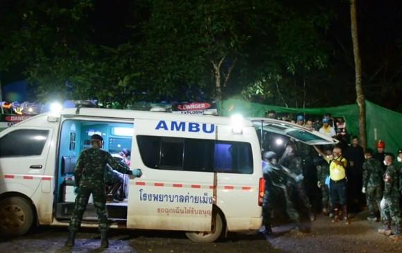 Tailandia: las primeras imágenes de los niños rescatados en el hospital