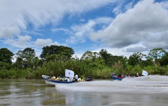 La Defensoría recorrió el río Naya. FOTO DEFENSORÍA