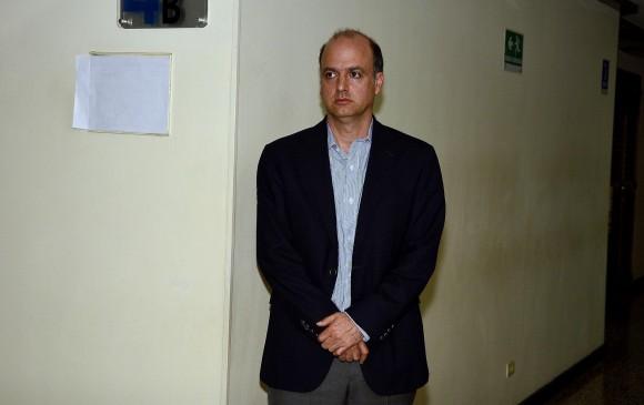 Condenan a exviceministro de transporte de Uribe a 5 años de cárcel