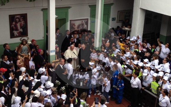 El emotivo encuentro del Papa con los niños en Medellín