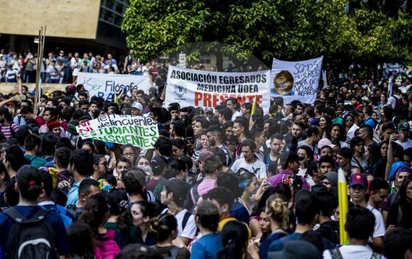 La marcha salió desde el Parque de los Deseos en Medellín. Fotografías: Jaime Pérez Munévar