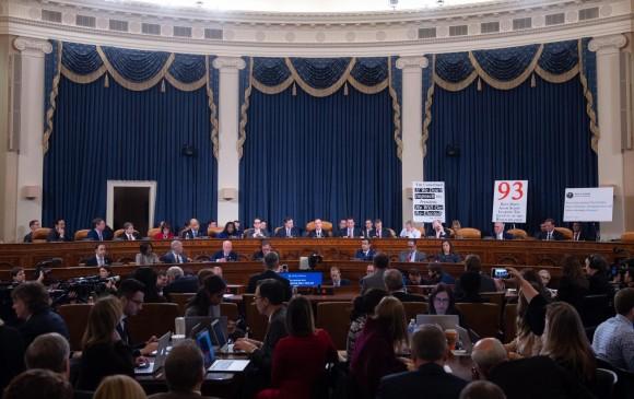 Donald Trump presionó a Ucrania, denuncia primera audiencia de