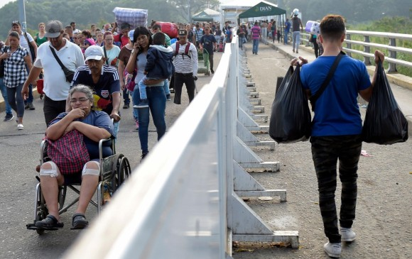Cruce del puente internacional Simón Bolívar. Foto: AFP