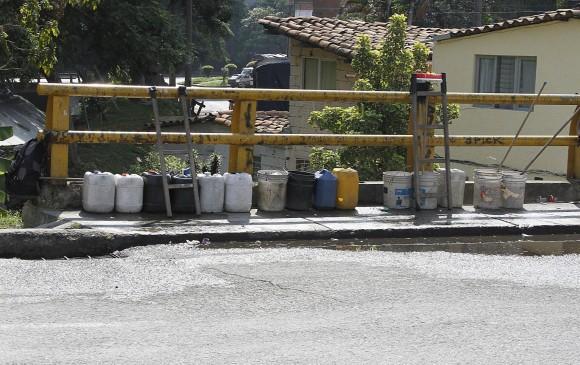 la Quebrada La Picacha, cerca al estacionamiento de buses, se convirtió en el lugar de depósito de todo tipo de residuos.