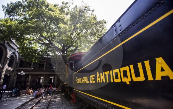La vieja locomotora del primer ferrocarril de Antioquia, desaparecido en los años 60. FOTO: JULIO CÉSAR HERRERA
