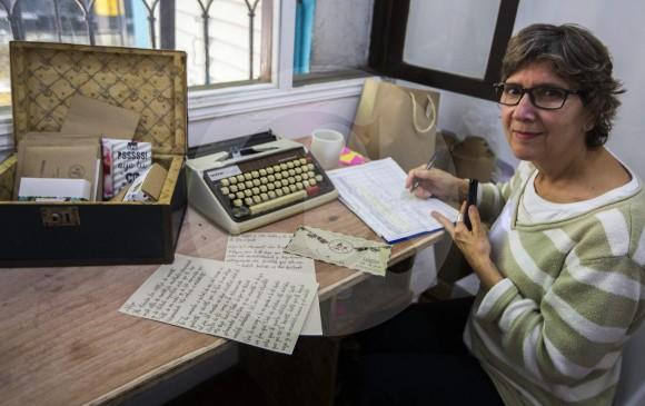 Aura no solo entrega cartas, también da la opción de escribirlas a máquina o con una calígrofa.
