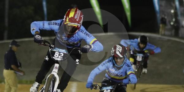 Dos colombianos celebraron en el Panamericano de BMX