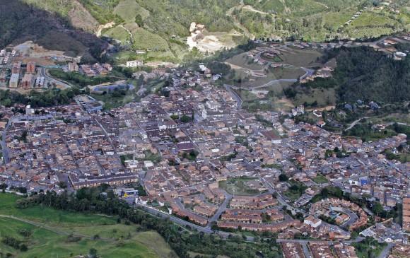 El nuevo desarrollo de El Retiro y La Ceja se basa en construcciones de viviendas de alto costo rurales y edificios de apartamentos en las zonas urbanas. Fotos Donaldo Zuluaga
