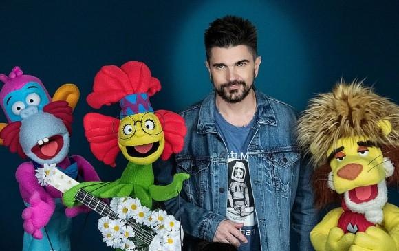 Imagen de Juanes junto a los títeres de Opa Popa Dupa. FOTO CORTESÍA