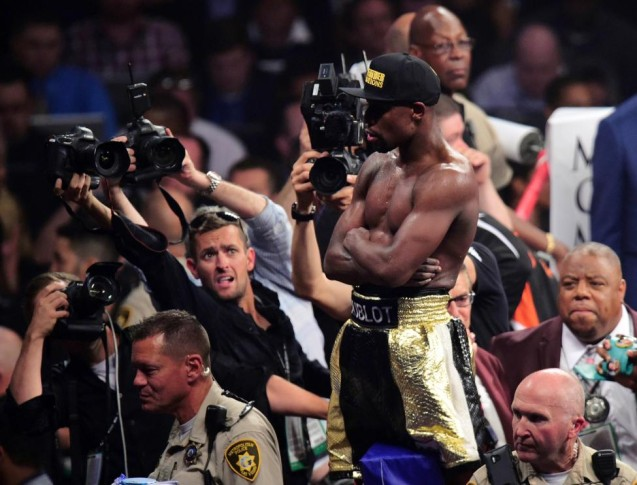 Dos jueces favorecieron a Mayweather por 116-112, mientras que el tercero puso 118-110. La Associated Press anotó 115-113 a favor de Mayweather. FOTO Reuters