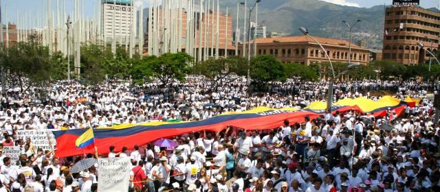 Resultado de imagen para marchas paz colombia