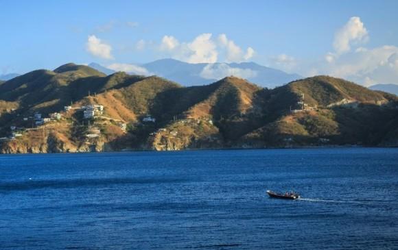 Denuncian atraco masivo en playa de Santa Marta