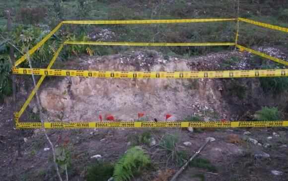 Los cuerpos de la esposa e hijos de Martínez fueron enterrados en el mismo predio. FOTO CORTESÍA FISCALÍA
