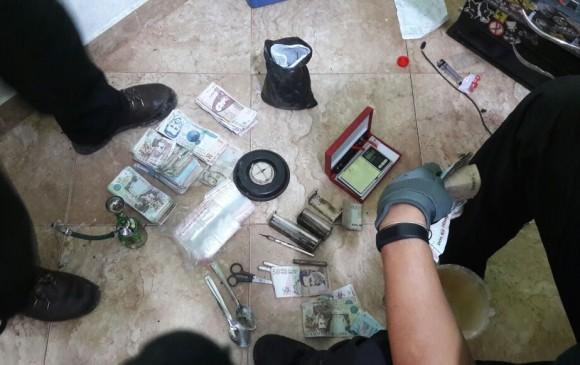 Elementos incautados en la operación contra el microtráfico de drogas en Envigado. FOTO: cortesía.