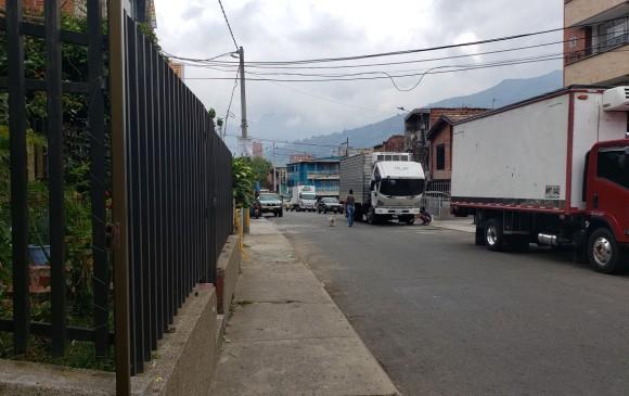 En esta calle del municipio de Bello se produjo el ataque sicarial que le costó la vida a tres personas. FOTO Santiago olivares