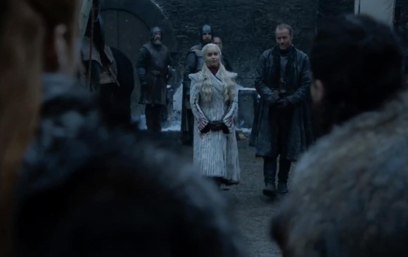 Daenerys llega a Invernalia. Es la imagen que comparte HBO de Game of thrones. FOTO @HBOLAT