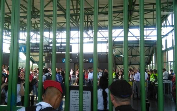 Estación Caribe del Metro a las 8:15 a. m. de este martes 13 de febrero. FOTO CORTESÍA
