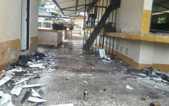 Imagen de la destrucción del colegio en la tarde del martes FOTO: Cortesía