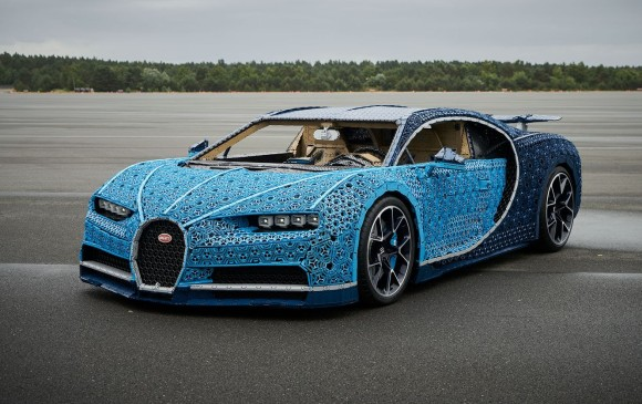 Viral: crean un alucinante Bugatti de tamaño real con piezas de Lego