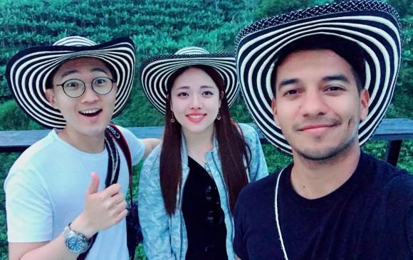 El nombre que Coreano Vlogs adoptó en español es Cristian pero su identidad en coreano es Junghyun Kim. Por su parte, Jeks se conoce como Jeaeun Kim en su tierra natal. FOTO K- Team