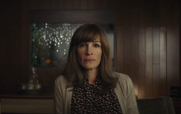 Roberts en el papel de Heidi Bergman en Homecoming. FOTO Cortesía Amazon Prime