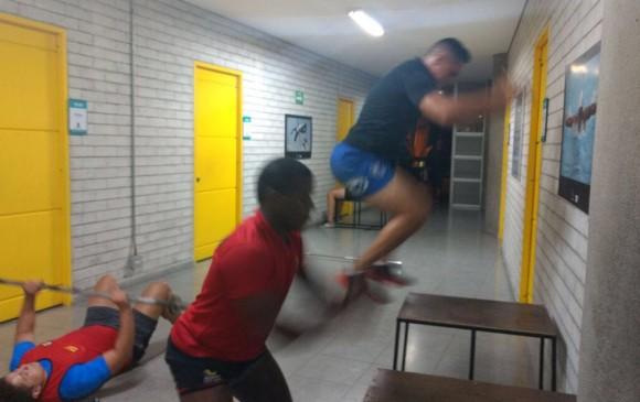 El entrenamiento es arduo y pese a que algunos son de físicos imponentes, mantienen su agilidad.
