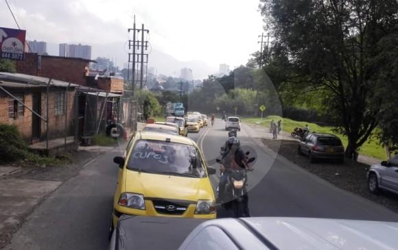 La movilización se da en protesta por nuevos cupos de taxis. FOTO JAIME PÉREZ