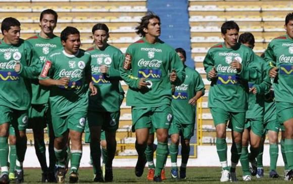 Renuncian dos dirigentes bolivianos por el retiro de puntos a la selección