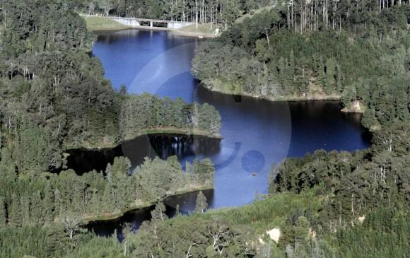 El embalse de Riogrande, ubicado entre San Pedro de los Milagros y Entrerríos, es una de las fuentes de generación de energía que cobijaría la provincia minero-energética. FOTO Donaldo Zuluaga