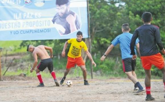 Denuncian a apostadores asiáticos y británicos por sobornos en fútbol colombiano