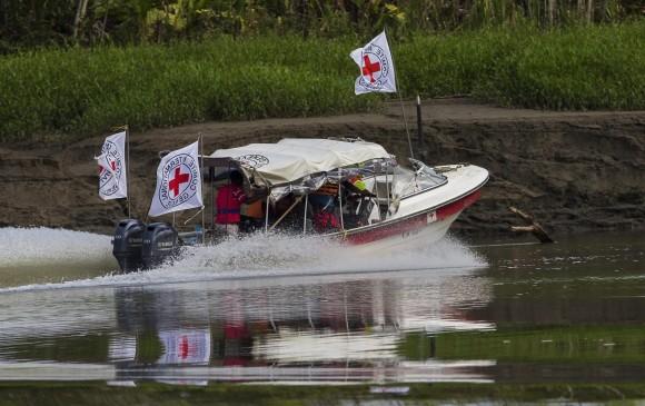 Entrega FARC a otros 13 menores a la Cruz Roja Internacional