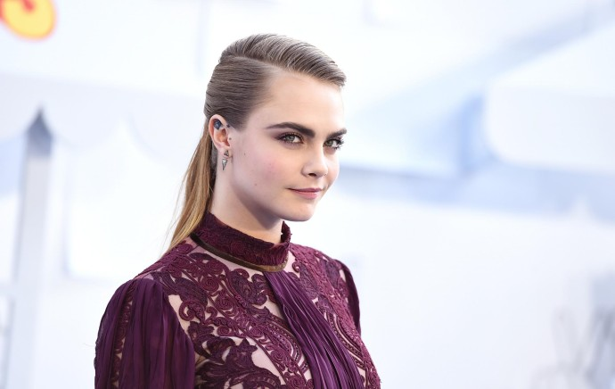 la modelo Cara Delevigne, invitada especial a los MTV Movie Awards. FOTO AP