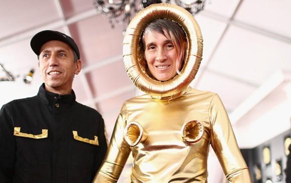Andrea Echeverri y Héctor Buitrago en la alfombra roja de los Grammy. Foto: AFP