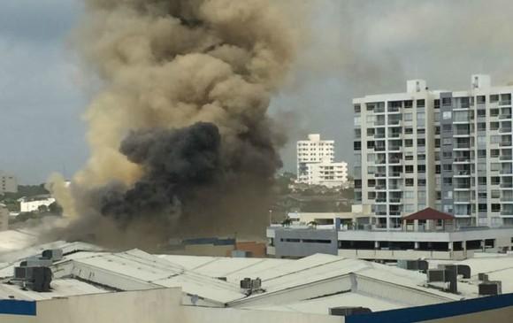 Se incendió centro comercial en Barranquilla
