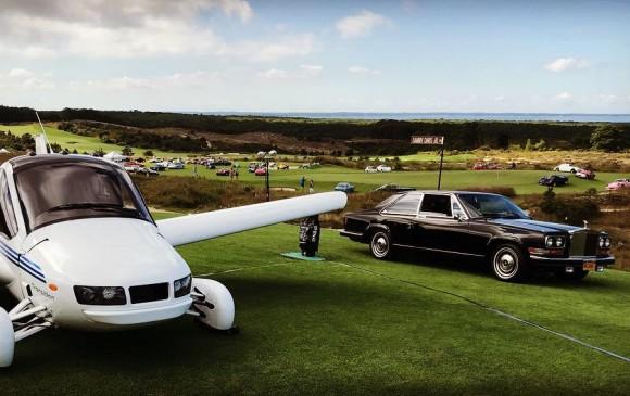 El modelo Transition exhibido en The Bridge, un show de autos de colección celebrado el pasado 15 de septiembre en el club de golf de Bridgehampton, Nueva York. Tuvo alrededor de 1.200 invitados de élite y 17 marcas de vehículos. También hubo exhibiciones de otros fabricantes de lujo, incluida la marca de autos voladores Terrafugia. Foto: @TerrafugiaInc