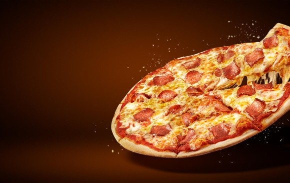 Con matemáticas es más fácil saber si es mejor comprar dos pizzas medianas o una familiar. FOTO SSTOCK