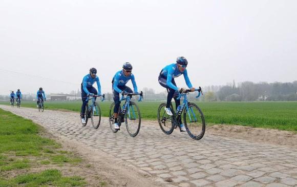 Nairo Quintana, Mikel Landa y Alejandro Valverde, jefes de filas del Movistar, recorrieron el pavé del Tour de Francia. FOTO CORTESÍA MOVISTAR