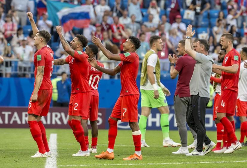 La selección inglesa derrotó este sábado 2-0 a Suecia en Samara, con dos goles de cabeza, y regresó a las semifinales de un Mundial 28 años después, gracias en gran medida a su potencial en acciones a pelota parada, que han producido ocho de sus once tantos en el torneo. FOTO JUAN ANTONIO SANCHEZ