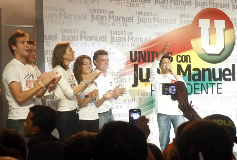 Santos luego de alcanzar la mayor votación en primera vuelta del 2010. FOTO COLPRENSA