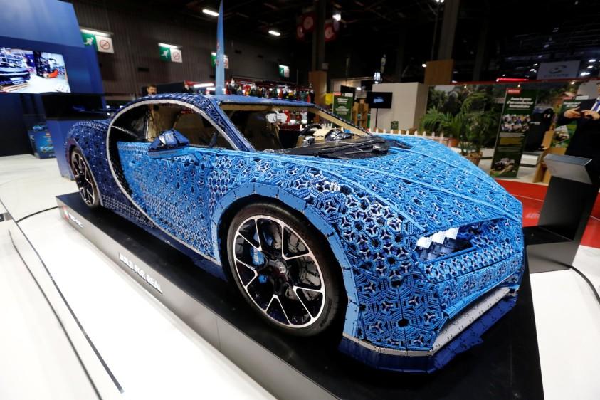 Bugatti Chiron de Lego. Más de 1.000.000 de piezas hicieron falta para construir el Bugatti que tiene un valor en el mercado de 10.262.248.757 pesos colombianos (2.904.000 €). FOTO REUTERS